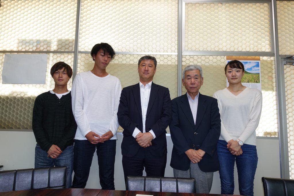 左から細谷氏、菊池氏、佐藤局長、橋本校長、上神氏